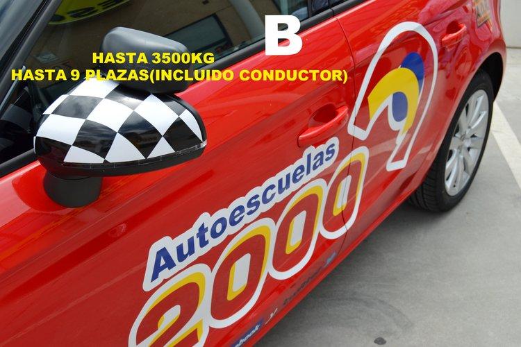 lateral coche autoescuela2000